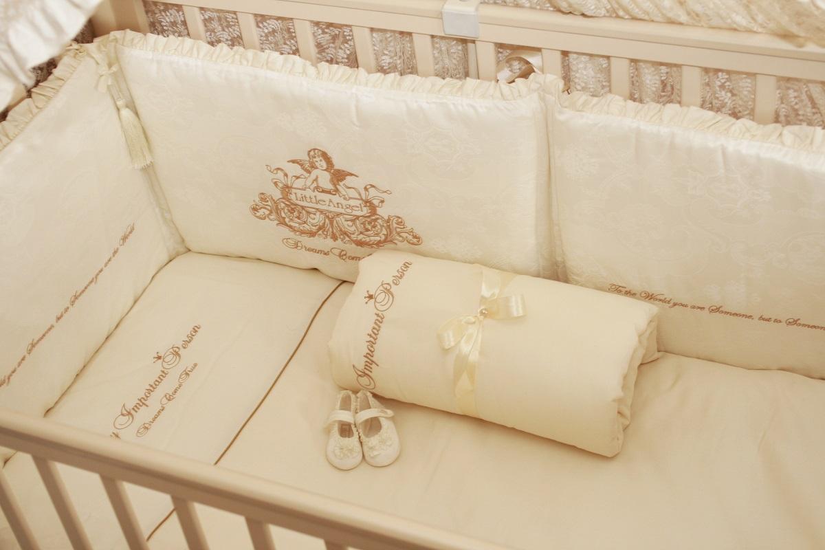 Детское постельное белье в кроватку с вышивками